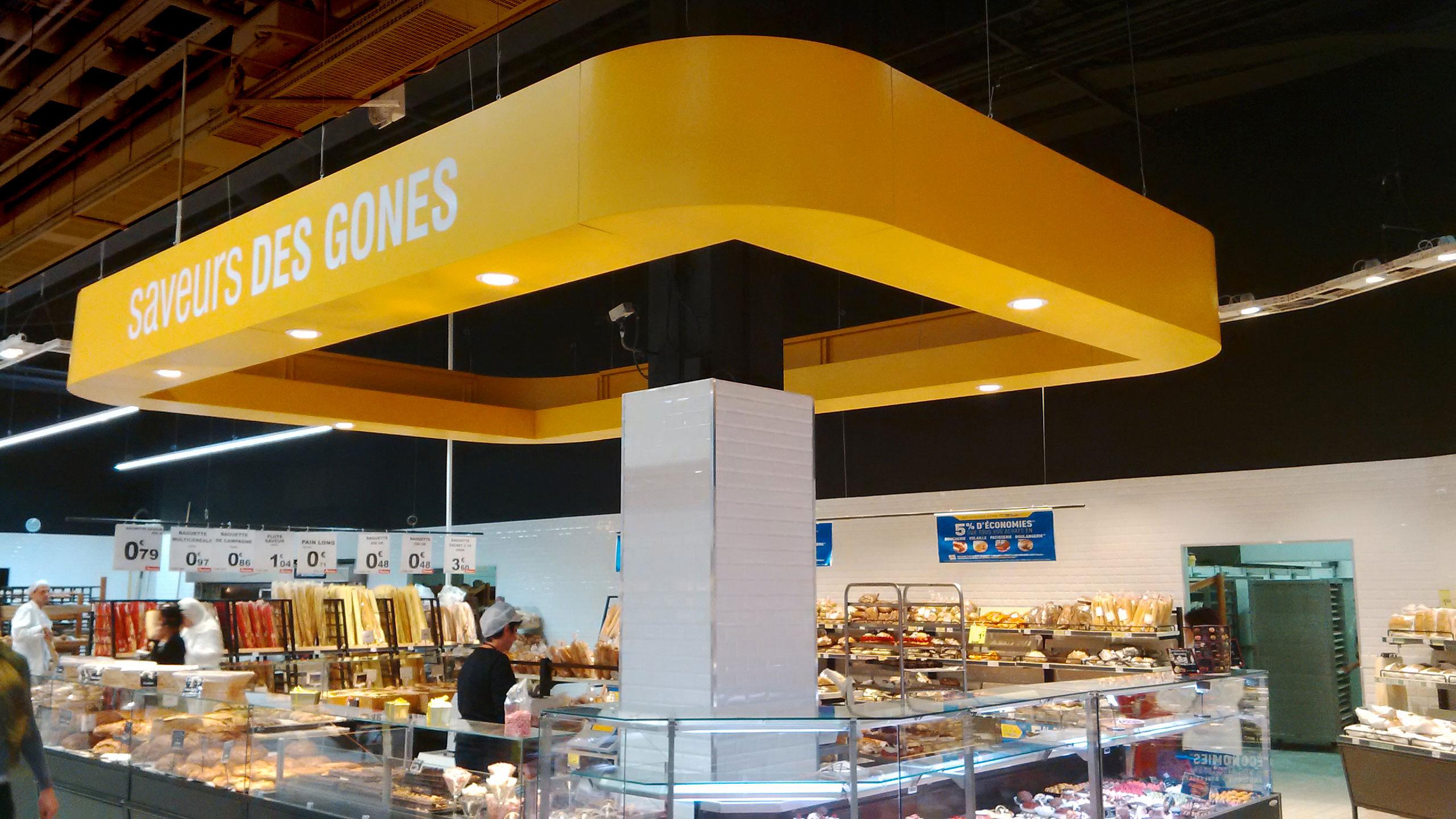 Ilot central boulangerie auchan avec spots lumineux for Caisson ilot central