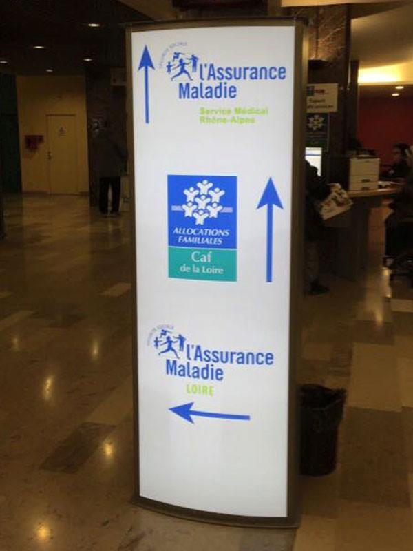 Totem intérieur Assurance Maladie de la Loire