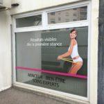 Adhésifs sur vitrine – RELOOKING à Firminy