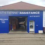 Habillage de façade en bleu + enseigne en lettres boitiers lumineuses + PVC – ST-ETIENNE ASSISTANCE à St Priest en Jarez
