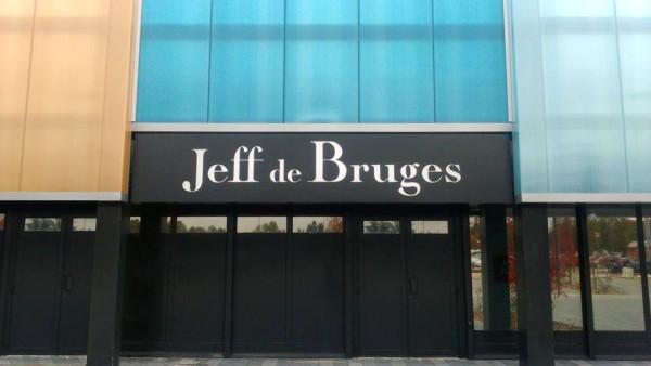 Enseigne en caisson aluminium ajouré et rétroéclairé Jeff de Bruges