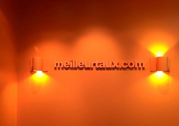 Logo lettres PVC laquées meilleurtaux.com