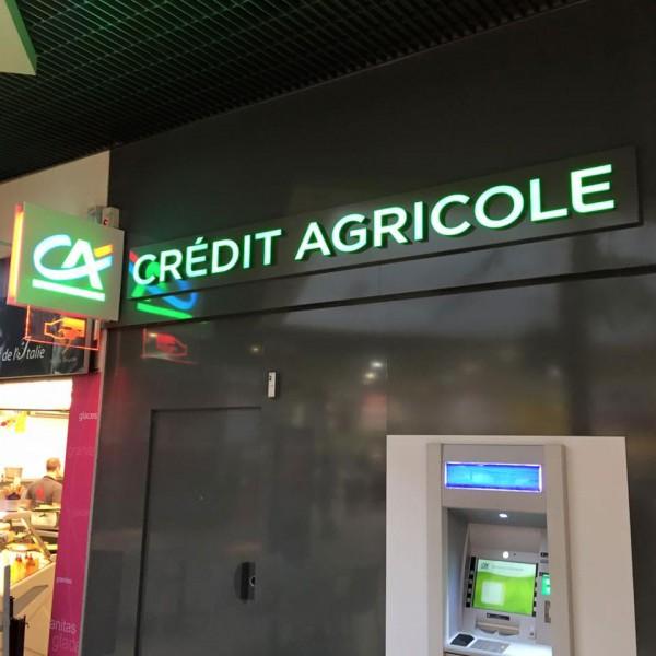 Enseigne nouveau concept Crédit Agricole en bloc 30