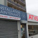 Enseigne en tôle tablette ajourée + panneaux en dibon – ATVS à St-Etienne