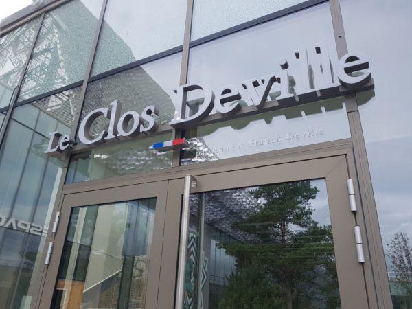 Lettres boitiers lumineuses sur lisse – LE CLOS DEVILLE à St Etienne